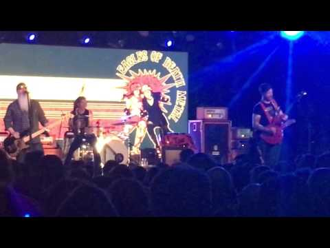 Eagles of Death Metal I wanna be in LA - Live at Budapest