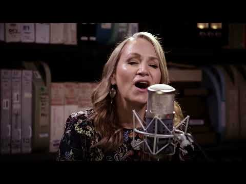 Joan Osborne - Quinn the Eskimo (The Mighty Quinn) - 8/31/2017 - Paste Studios, New York, NY