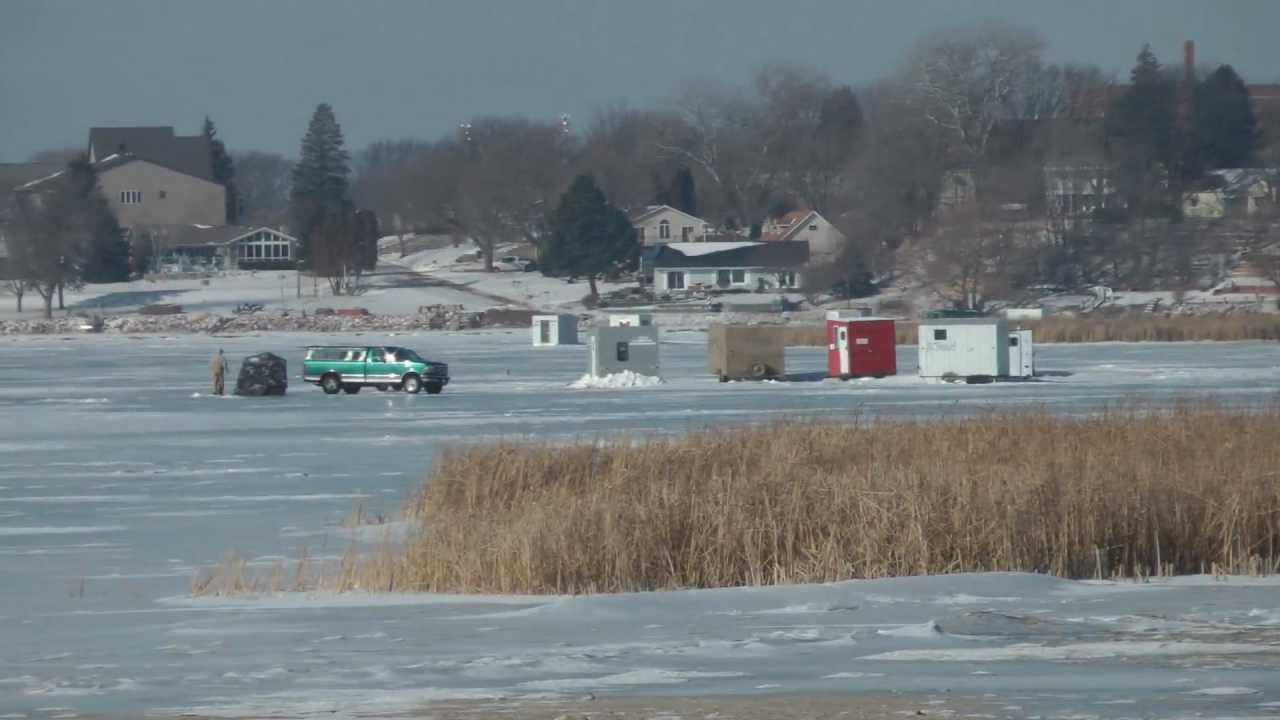 Clear lake iowa ice fishing report walleye and yellow bass for Clear lake fishing