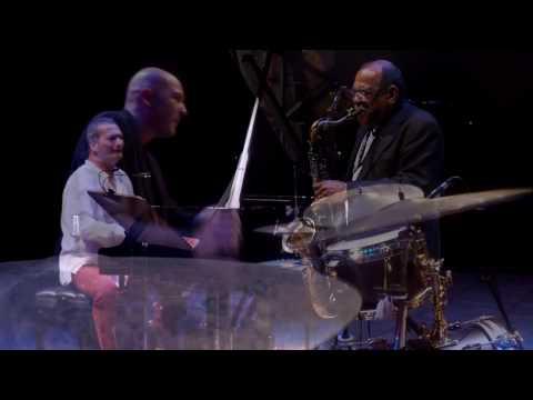 Kerem Gorsev Trio & Ernie Watts V8