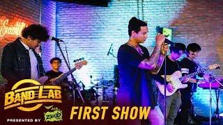 สำราญรื่น - เพื่อนสนิท + กอดแน่นแค่ไหนก็ต้องปล่อย | Band Lab | First show