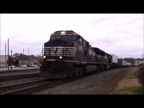 NORFOLK SOUTHERN TRAINS SHOT IN AUSTELL,GA. 12-5-2017