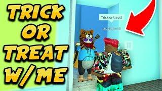 TRICK O TRATAMIENTO CON MI Y YOUTUBERS EN MI CASA!! (Roblox Duck's Halloween Island)