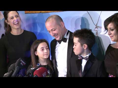 Tolga Çevik yeni filminin galasında şov yaptı. Cem Yılmaz özel hayatı ilgili açıklamalar yaptı.