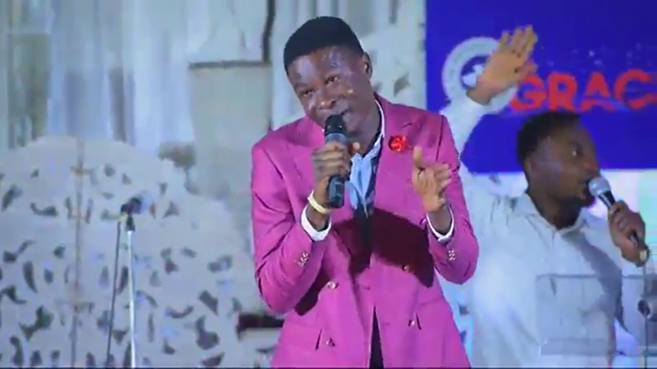 Download Bidemi Olaoba @ RCCG Graceville 2017 3gp  mp4  avi
