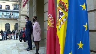 Sánchez es recibido con abucheos en Navarra
