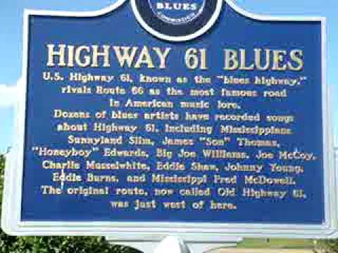 DELTA BLUES HIGHWAY 61/49 STATUE IN TUNICA, MISSISSIPPI