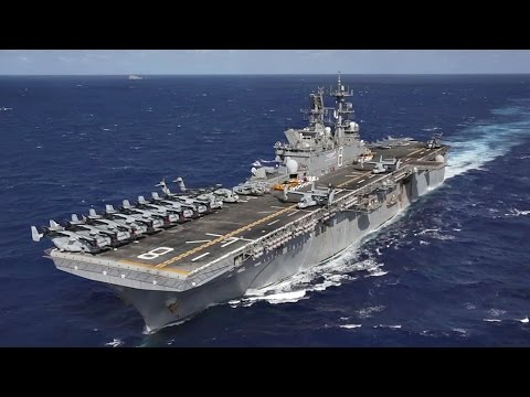 US Navy Amphibious Assault Ship USS Makin Island Underway