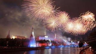 Праздничный салют в честь 70-ой годовщины Великой Победы(Праздничный салют 9 мая 2015 года в Москве в честь 70-ой годовщины Победы в Великой Отечественной Войне В 22:00..., 2015-05-09T19:16:03.000Z)