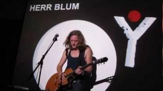Herr Blum solo - Regen   2011 Berlin Rumbalotte live