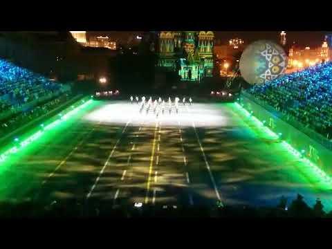 """Открытие """"Спасской башни"""". Военный оркестр Минобороны Узбекистана."""