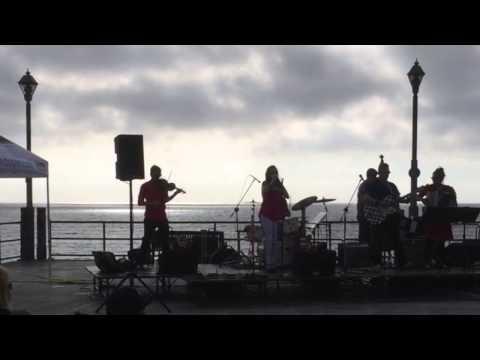 """The Vignatis """"Singin' for a Livin'"""" Gypsybilly Music @ Redondo Pier 2015"""