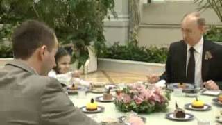 May 9, 2012 Russia_Putin meets 7-year-old cancer patient in Kremlin