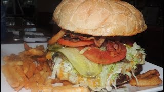 Destroyer Burger Challenge St Lucie Draft House's BIG 4lb Cheeseburger!!