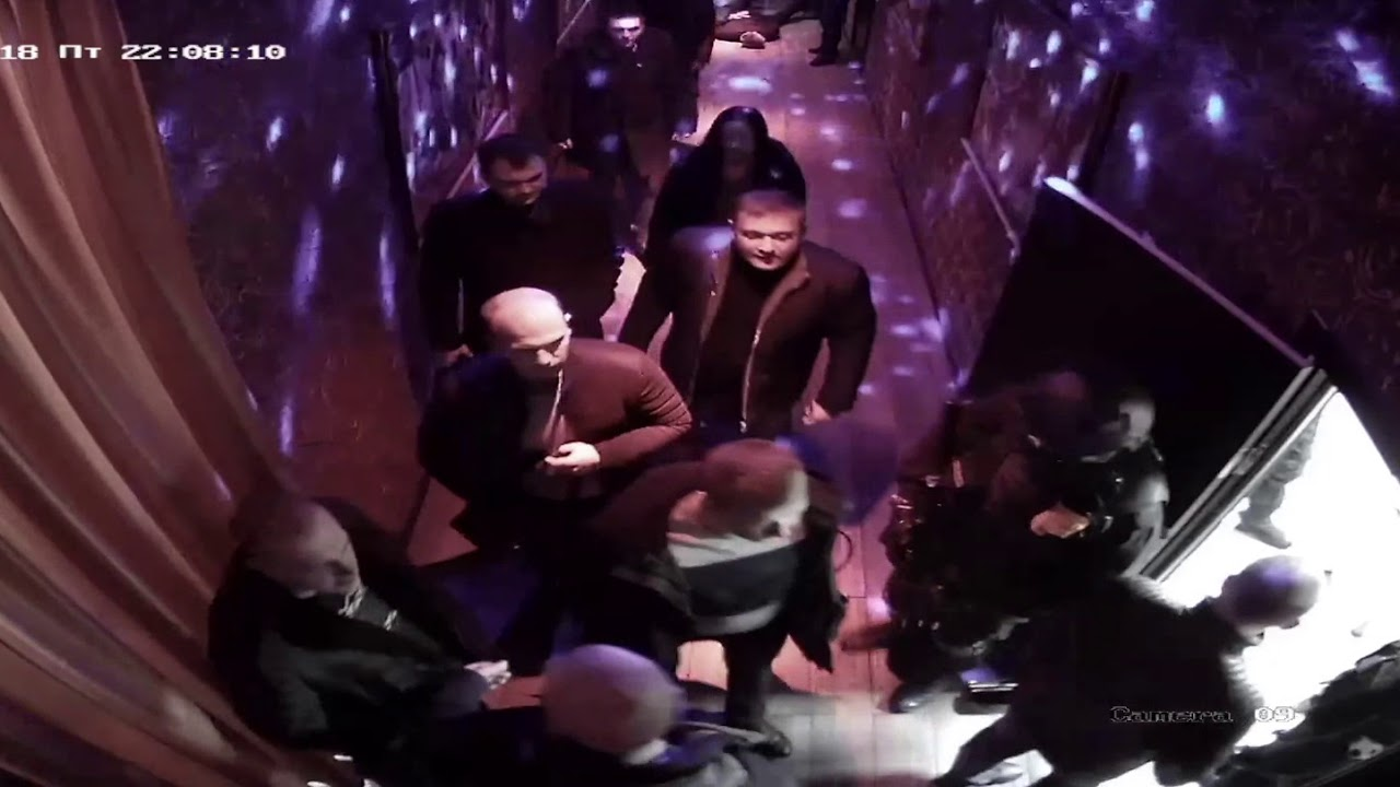 Стриптиз клубы владивосток клуб малибу сочи ночной