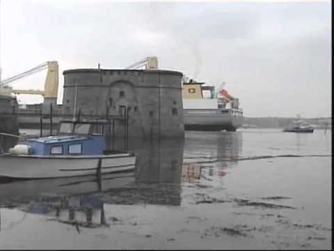 """Svenja"", the World's Largest Heavy Lift Vessel in Pembroke Dock"