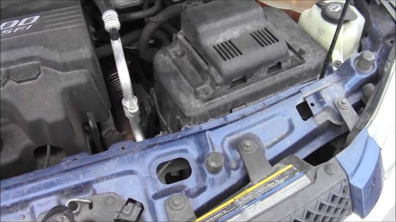 Equinox 2005 chevy equinox battery : How to Access Battery on 2008 Chevy Equinox LS 3 - YouTube