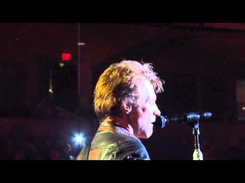 Jon Bon Jovi singing Conway Twitty in Little Rock 10.18.13