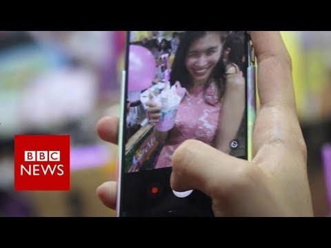Geylang Ramadan bazaar: Singapore's new hipster haunt- BBC News