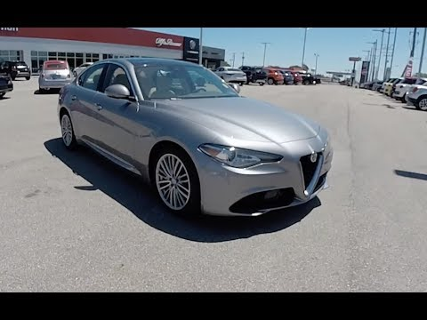 2017 alfa romeo giulia ti lusso rwd walk around video in depth review youtube. Black Bedroom Furniture Sets. Home Design Ideas
