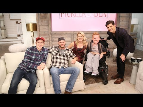 His Disability Didn't Stop Him From Traveling The World With His Friends! - Pickler & Ben