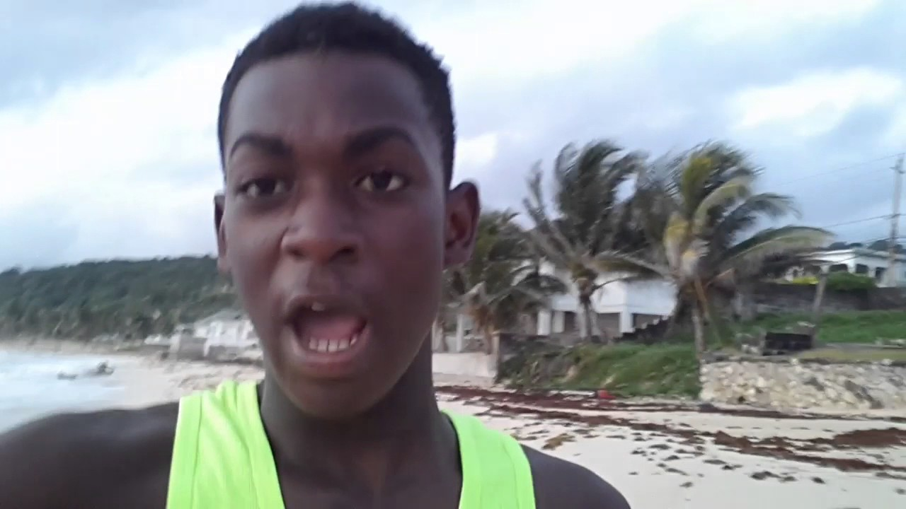 VLOG 1 //Jamaican vlogs/jogging for fitness/ early morning sea. //paul tv//vlog/
