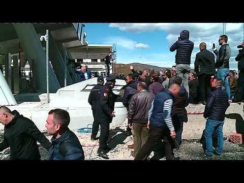 Pa Koment - Kundër taksës, përleshje në Rrugën e Kombit - Top Channel Albania - News - Lajme