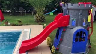 ALİ HAVUZDA DEV PİSTİNDEN VE KAYDIRAKTAN ARABALAR KAYDIRDI Funny Car Toys