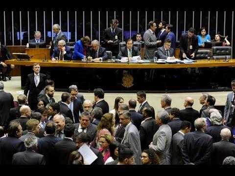Venda do petróleo do pré-sal esquenta debates no Plenário