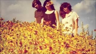 The Stargazer Lilies // Del Rey Mar