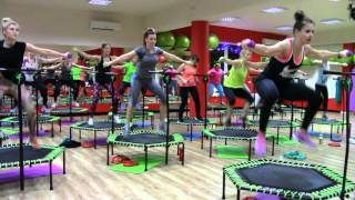 FUSGYM Fitness na trampolinach hardcore  Ola JUMPING FROG