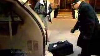 Baggage Porters and Bellhops Job Description