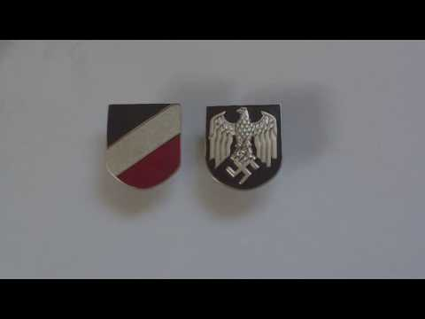 WORLD WAR TWO GERMAN ARMY TROPICAL PITH SUN HELMET BADGES