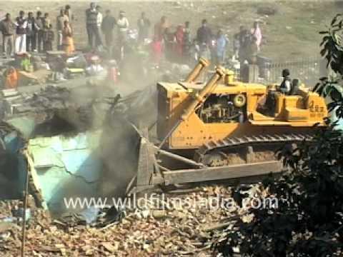 Slums being demolished in New Delhi