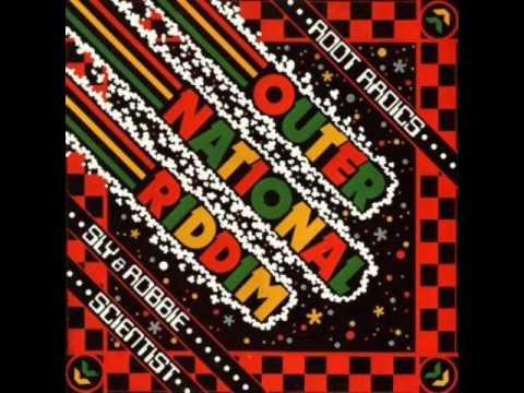 Roots Radics Meet The Mighty Revolutionaries - Straight To Thatcher's Head (Dub)