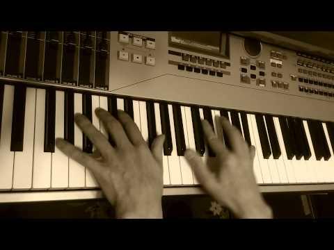 #lickoftheday – #lickoftheday 003 - 2015.09.23 #yamaha #motif #xs8 #piano #portamento #eflatminor –