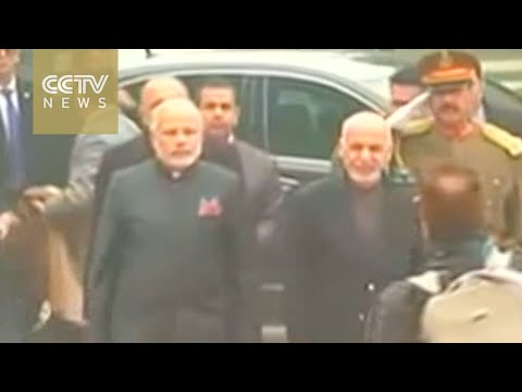 Indian PM visits Kabul to provide military aid