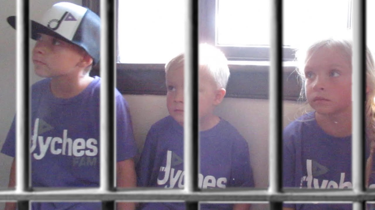 ????????KIDS THROWN IN JAIL???????? | CARTHAGE JAIL | ILLINOIS | DYCHES FAM