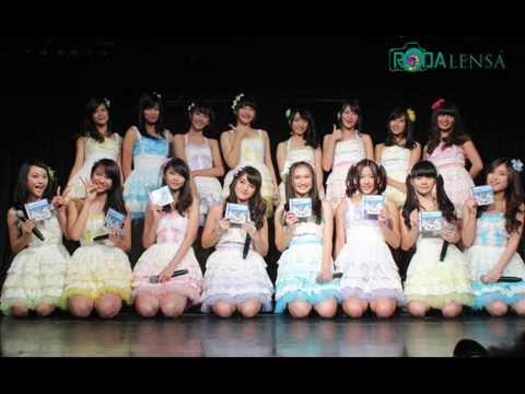 JKT48 - Summer Love Sounds Good ( English Version ) / Manatsu No Sound Good