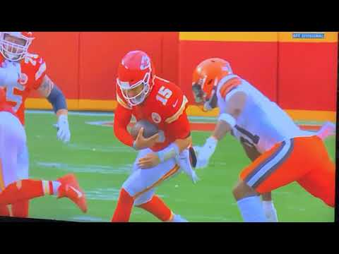 Patrick Mahomes In Concussion Protocol Visits Lockerroom After Browns Hit At Back Of Neck.