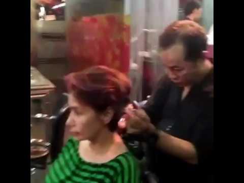 Guntingan oendek rambut Deb y sahetian