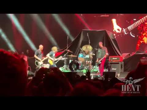 DZL - Full 26 minute Nirvana reunion at CalJam