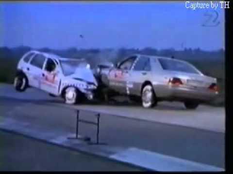 Mercedes Benz S-Class (w140) Vs. Opel Corsa - Crash Test.flv