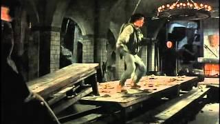 Ястреб против толпы монахов в столовой - Доспехи Бога / 1986