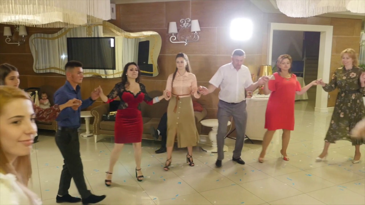 Cea mai buna muzica populara cu Formatia Professional-band! Muzica de petrecere cu fratii Gostiuc!