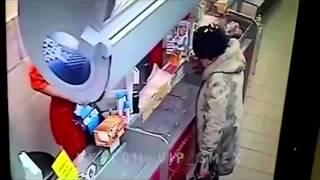 Пенсионерка подожгла себя в супермаркете