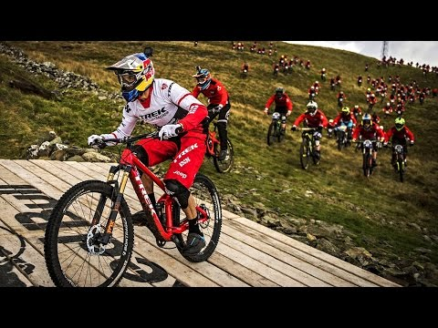Gee Atherton VS 400 Mountain Bikers Red Bull Fox Hunt