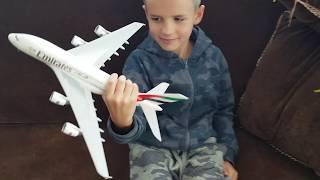 Розпакування літака Аеробус А-380-800. Airbas A-380-800