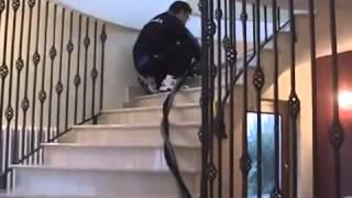 KLİNDEX VERTİKA : Vakum sistemli duvar ve dikey yüzeyler silim ve cilalama makinesidir. Video
