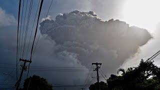 Karibik-Vulkan bricht aus: Massenevakuierung auf St. Vincent